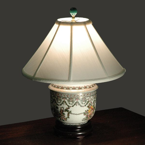 Floral motif small table lamp